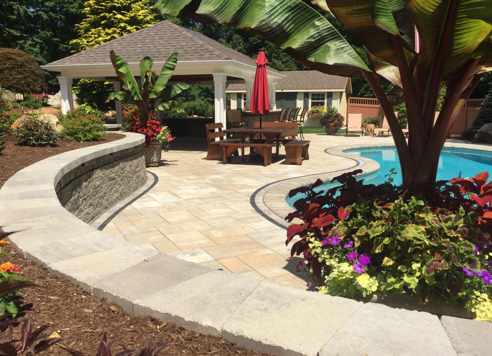 7 Important Considerations When Searching for Landscapers Near Me in Simsbury, CT